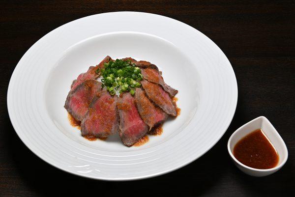 飛騨牛ローストビーフ丼 大盛(¥1,000)